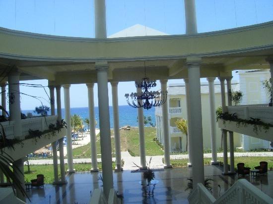 Jamaica_atrium view