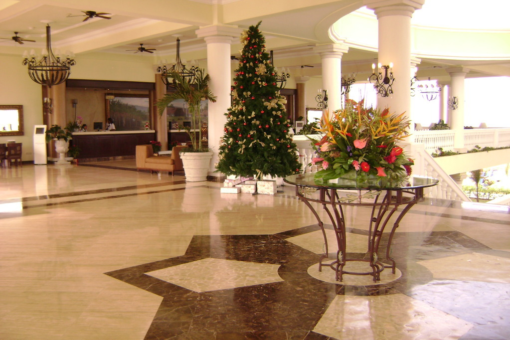Jamaica_lobby stairs